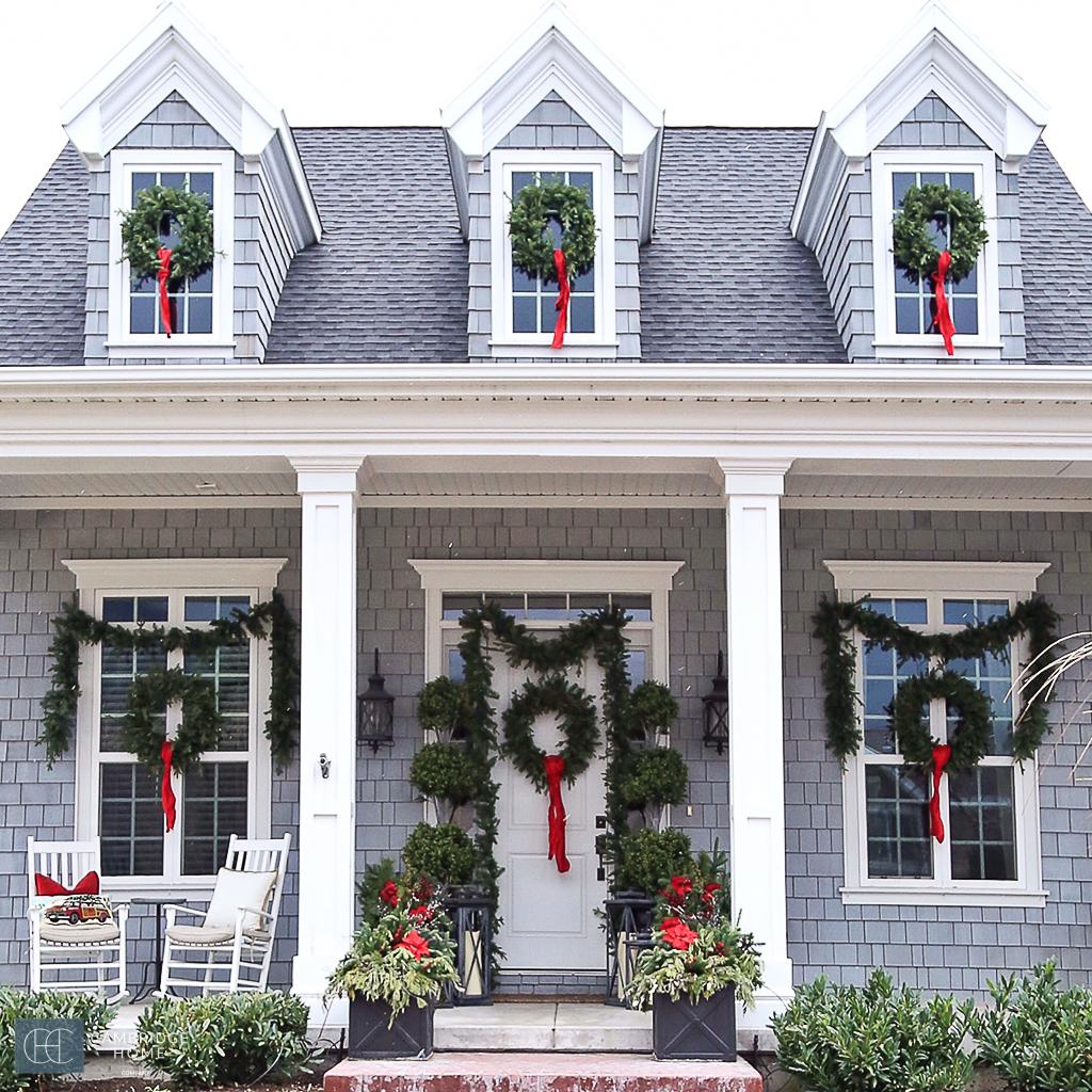Home Holiday Decor: Exterior Holiday Christmas Home
